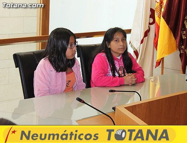 Lectura del manifiesto del Día de los Derechos del Niño 2013 - 28