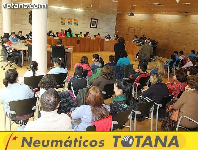 Lectura del manifiesto del Día de los Derechos del Niño 2013 - 35