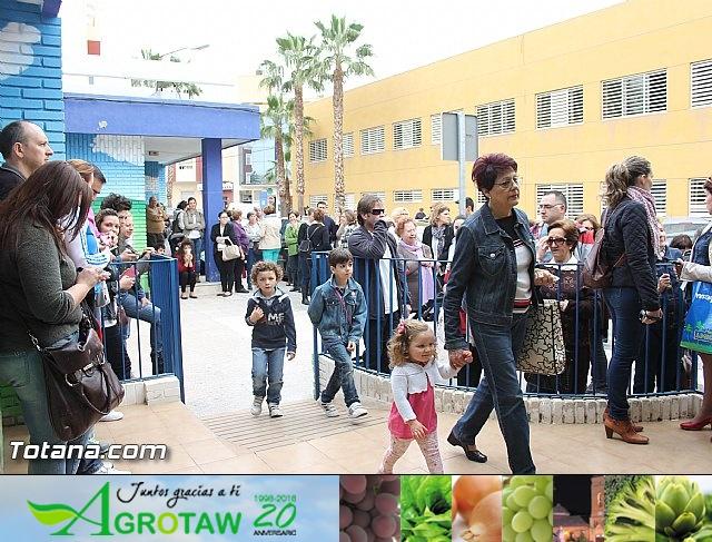 Procesión infantil. Escuela Infantil Clara Campoamor - Semana Santa 2014 - 15