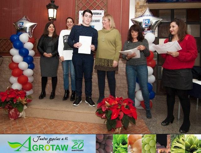 Totanalang celebró su entrega de diplomas  - 10