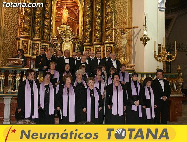 Concierto de Música Sacra e imposición del Escudo de Oro a la Coral Santiago de Totana - 16