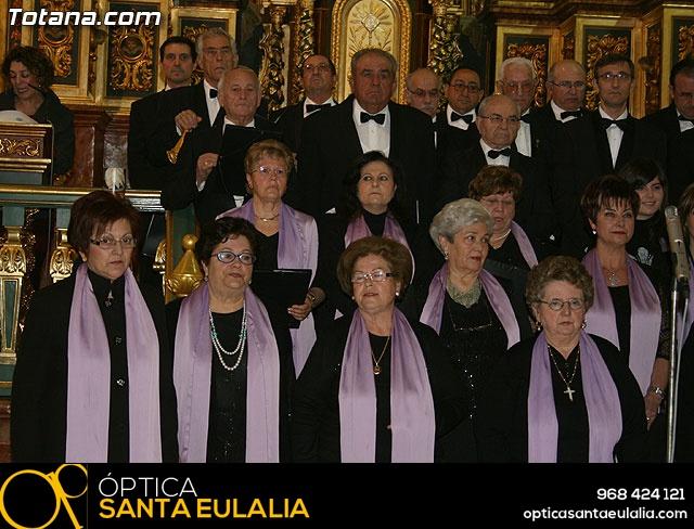 Concierto de Música Sacra e imposición del Escudo de Oro a la Coral Santiago de Totana - 17