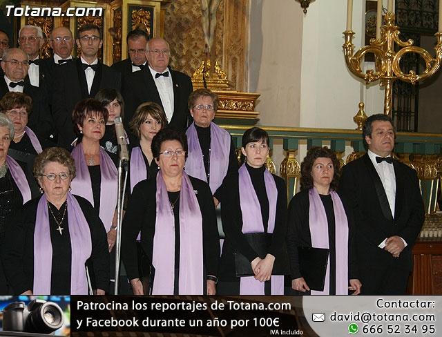 Concierto de Música Sacra e imposición del Escudo de Oro a la Coral Santiago de Totana - 18