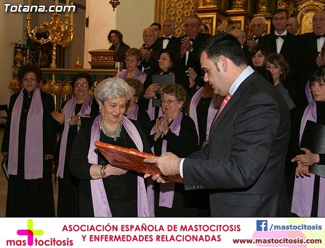 Concierto de Música Sacra e imposición del Escudo de Oro a la Coral Santiago de Totana - 32