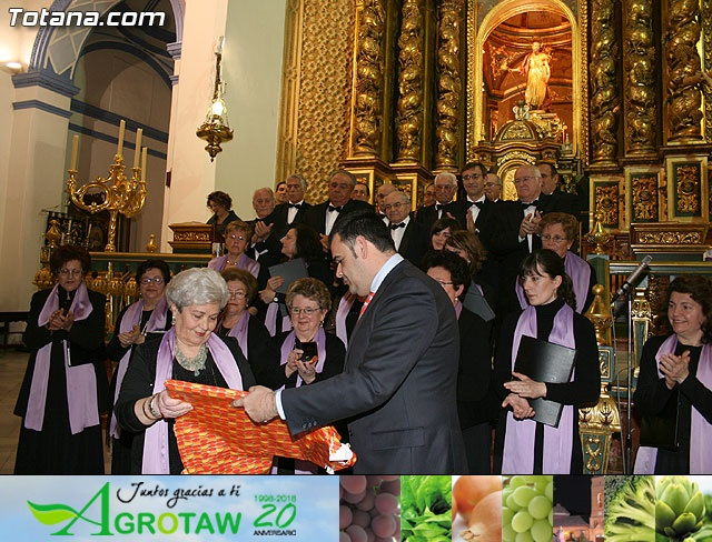Concierto de Música Sacra e imposición del Escudo de Oro a la Coral Santiago de Totana - 34