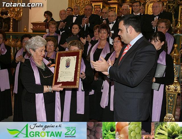 Concierto de Música Sacra e imposición del Escudo de Oro a la Coral Santiago de Totana - 35