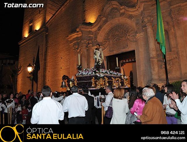 Imposición de escapularios a los nuevos hermanos de la Cofradía de Jesús Resucitado - 118