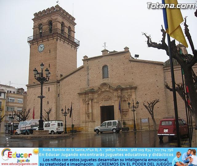 JUEVES SANTO - TRASLADO DE LOS TRONOS A LA PARROQUIA DE SANTIAGO - 1