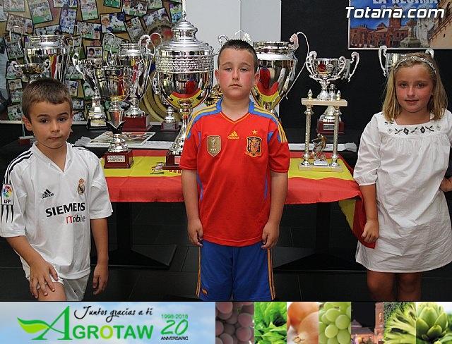 """Ex futbolistas visitaron la sede de la Peña Madridista """"La Décima""""  - 16"""