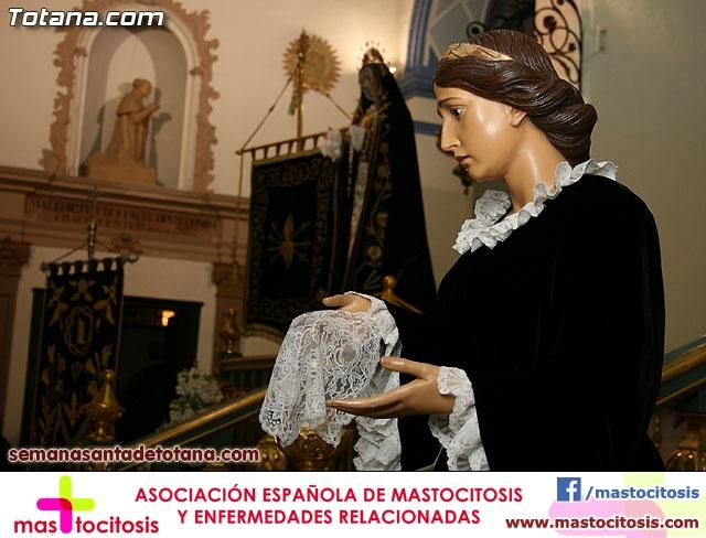 La Hermandad de La Verónica estrena traje de vestir luto - 18