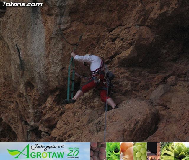Escalada  Via Murcielago Valle de Leiva - 8
