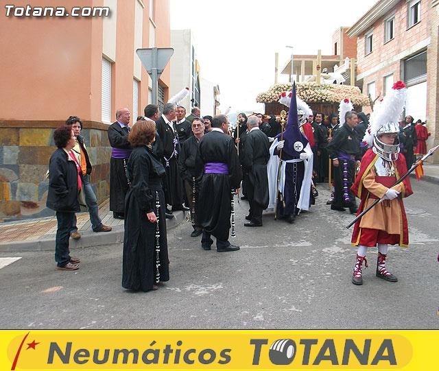 Traslado del Santo Sepulcro desde su sede a la parroquia de Santiago. Totana 2009 - 17