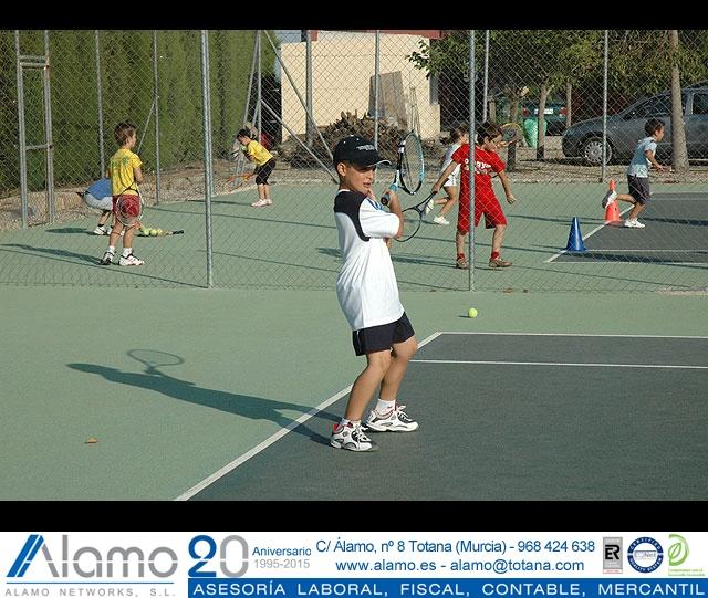 FIESTA DE CLAUSURA DE LA ESCUELA DE TENIS DEL CLUB DE TENIS TOTANA. Curso 2006-2007  - 15