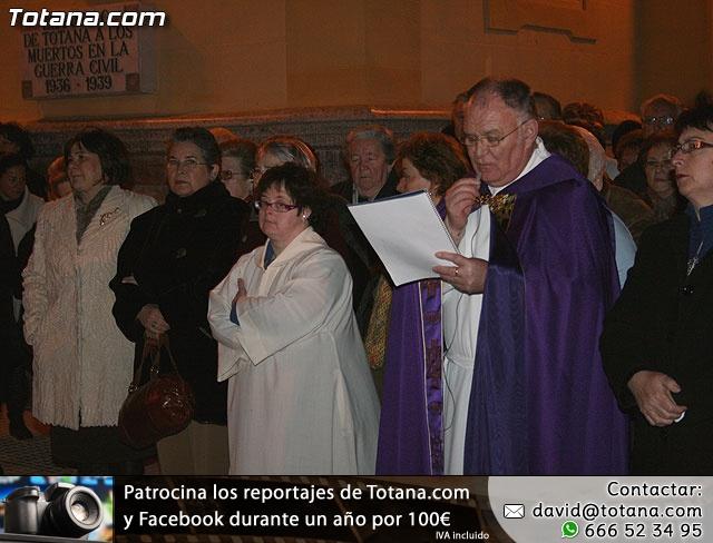 VÍA CRUCIS ORGANIZADO POR LA HERMANDAD DE JESÚS EN EL CALVARIO Y SANTA CENA . 2009 - 27