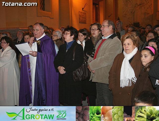 VÍA CRUCIS ORGANIZADO POR LA HERMANDAD DE JESÚS EN EL CALVARIO Y SANTA CENA . 2009 - 29