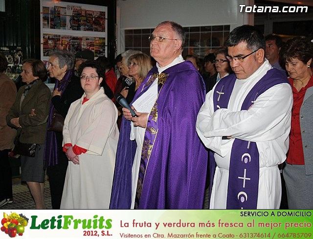 Solemne Viacrucis con la imagen de Nuestro Padre Jesús Nazareno - 2011 - 68