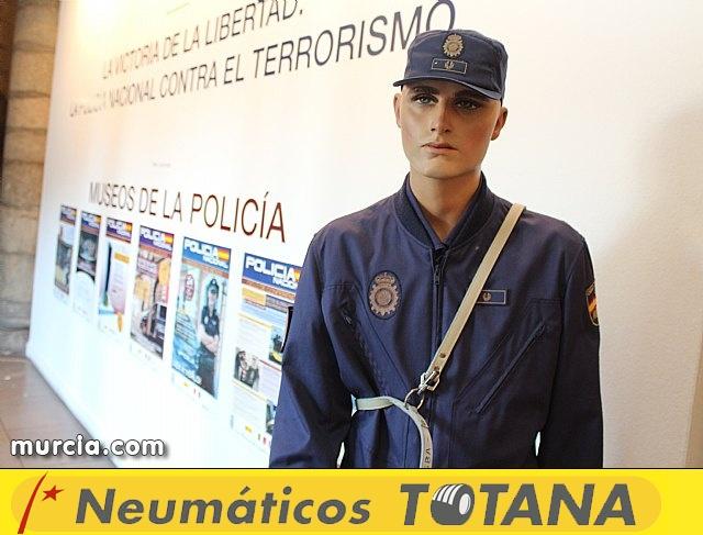 La Policía Nacional enseña su trabajo a los murcianos - 6