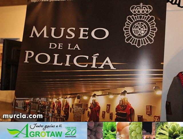 La Policía Nacional enseña su trabajo a los murcianos - 35