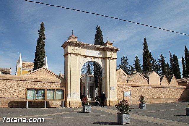 Acto institucional de descubrimiento de la lápida en memoria de los 11 fusilados de Totana y Aledo en octubre 1939 - 1