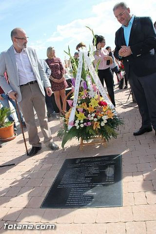 Acto institucional de descubrimiento de la lápida en memoria de los 11 fusilados de Totana y Aledo en octubre 1939 - 71